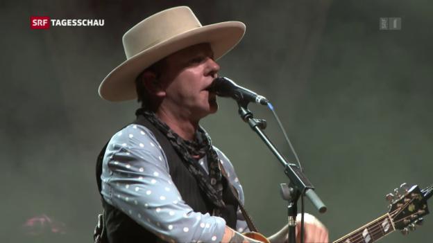 Video «Kiefer Sutherland singt an Schweizer Festival» abspielen