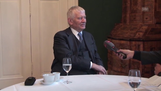 Video «Otto Schily zur Obergrenze bei Flüchtlingen» abspielen