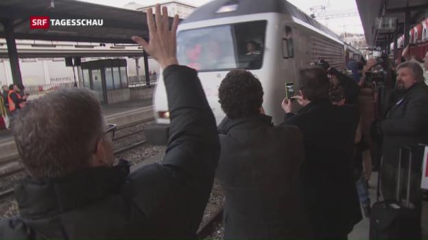 Video «Gotthard: Jetzt rollt der Bahn-Verkehr» abspielen