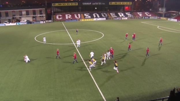 Video «Fussball: U19-EM Frauen, Wiederholungsspiel ENG-NOR» abspielen