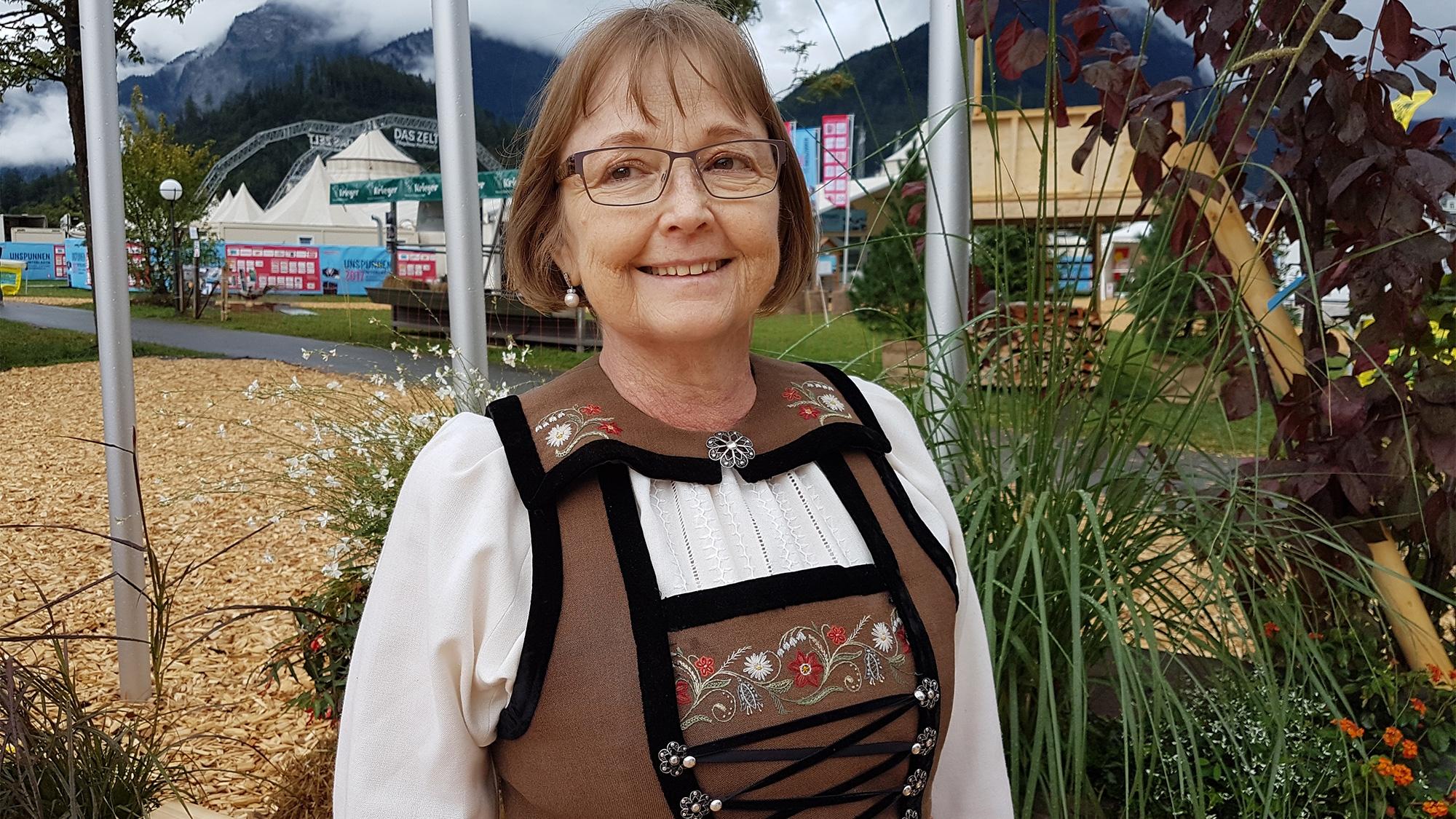 Karin Zbinden und ihre Bergdietiker Sonntagstracht