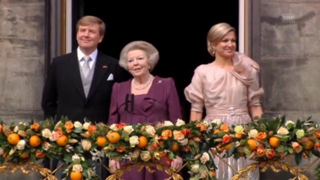 Beatrix mit König Willem-Alexander auf dem Balkon (O-Ton)