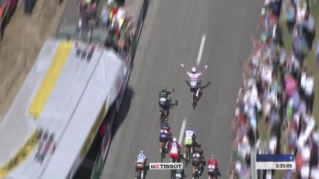 Video «Rad: Tour de Suisse, Schlussphase 4. Etappe» abspielen