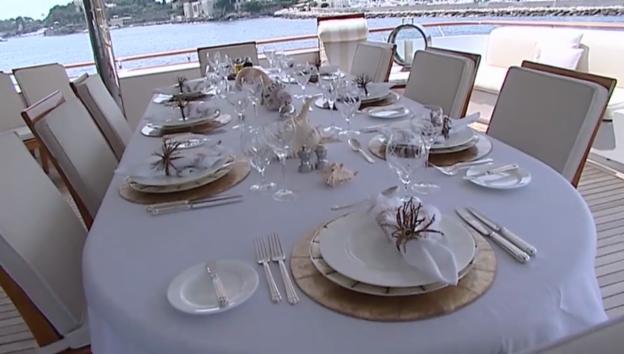 Video «Luxus-Serie zum Zweiten: Auf der Yacht von Jürg Marquard» abspielen