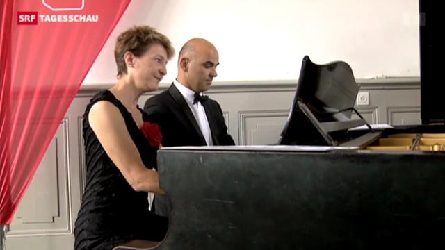 Gemeinsames Klavierspiel am Jubiläum der SP