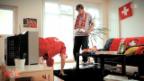 Video «Couch - Fussballer» abspielen