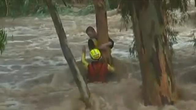 Junge aus Fluten in Australien gerettet.