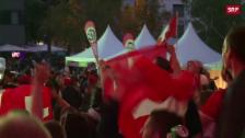 Link öffnet eine Lightbox. Video Jubelnde Schweiz-Fans abspielen