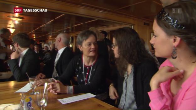 Video «Frauen feiern Jubiläum an Landsgemeinde» abspielen