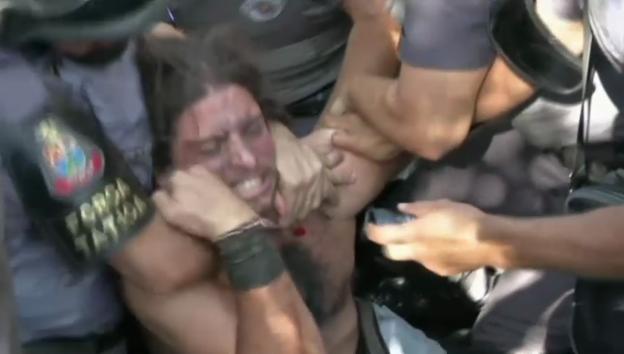 Video «Brutales Vorgehen der Polizei in Brasilien» abspielen
