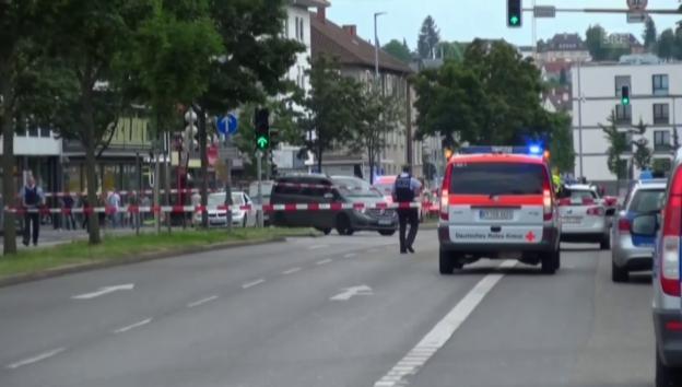 Video «Grosseinsatz in Reutlingen» abspielen