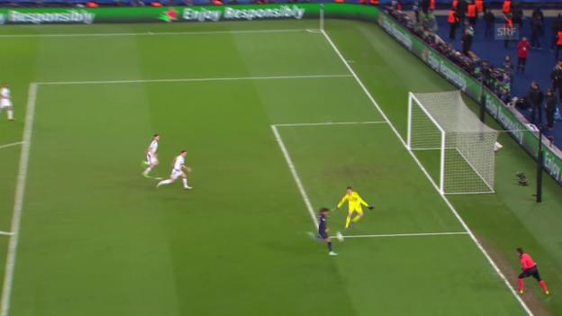 Video «Cavani trifft aus spitzem Winkel zum 2:1» abspielen