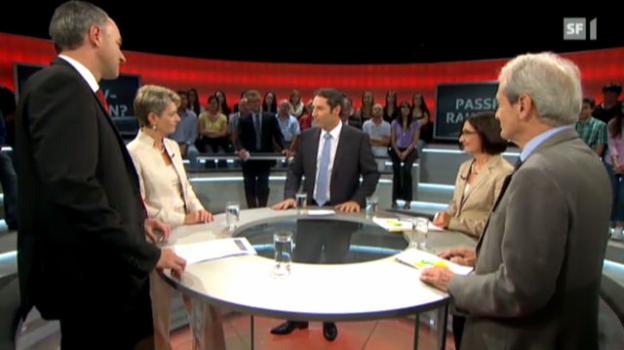 Video «Abstimmungs-Arena: Initiative «Schutz vor Passivrauchen»» abspielen