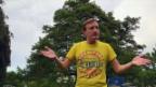 Video «Büssi und Manu in der Badi: Früher vs. Heute» abspielen