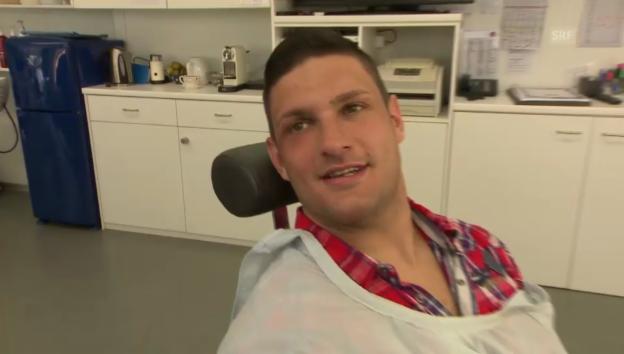 Video «Bless über seine Verletzung» abspielen