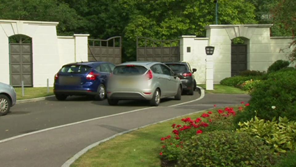 Die Polizei vor Cliff Richards Haus (ohne Ton)