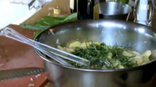 Video «Rezept / Der beste und leichteste Kartoffelsalat mit Bärlauch» abspielen