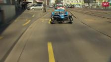 Link öffnet eine Lightbox. Video Sébastien Buemi macht eine Stadtrundfahrt abspielen