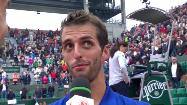 Video «Albert Ramos-Vinolas überrascht Roland Garros» abspielen