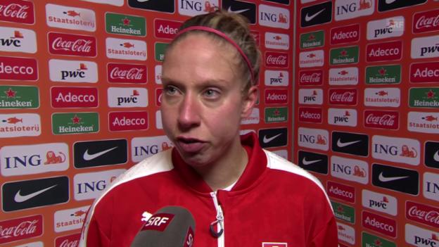 Video «Caroline Abbé versucht die 3:4-Niederlage der Frauen-Nati zu erklären» abspielen
