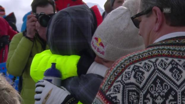 Video «Ski Alpin: Tiger Woods umarmt Lindsey Vonn» abspielen