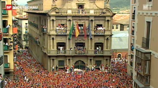 Video «Fiesta im spanischen Pamplona» abspielen