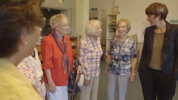 Video «Treffen ehemaliger Missionskinder im damaligen Kinderhaus» abspielen