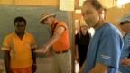 Video «Geschenke für die Dorfschule» abspielen