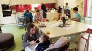 Video «Schwerstkranke Kinder – Fehlende Entlastung für Familien» abspielen