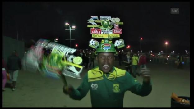 Video «Fussball: Jubelnde Nigeria-Fans» abspielen