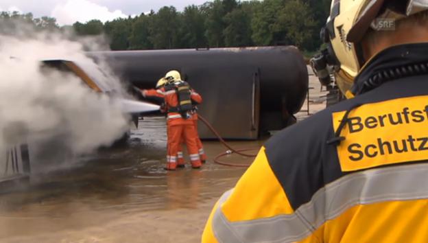 Video «Die Feuerwehr in Aktion» abspielen