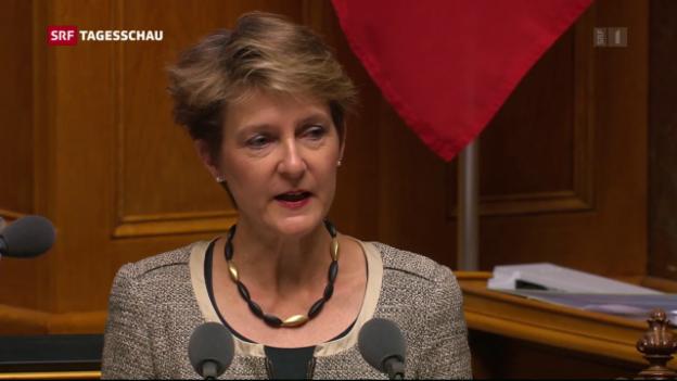 Video «Sommaruga: «Vollständige Umsetzung oder Bilaterale»» abspielen