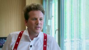 Link öffnet eine Lightbox. Video Christian Jott Jenny – ein Tenor für St. Moritz abspielen.