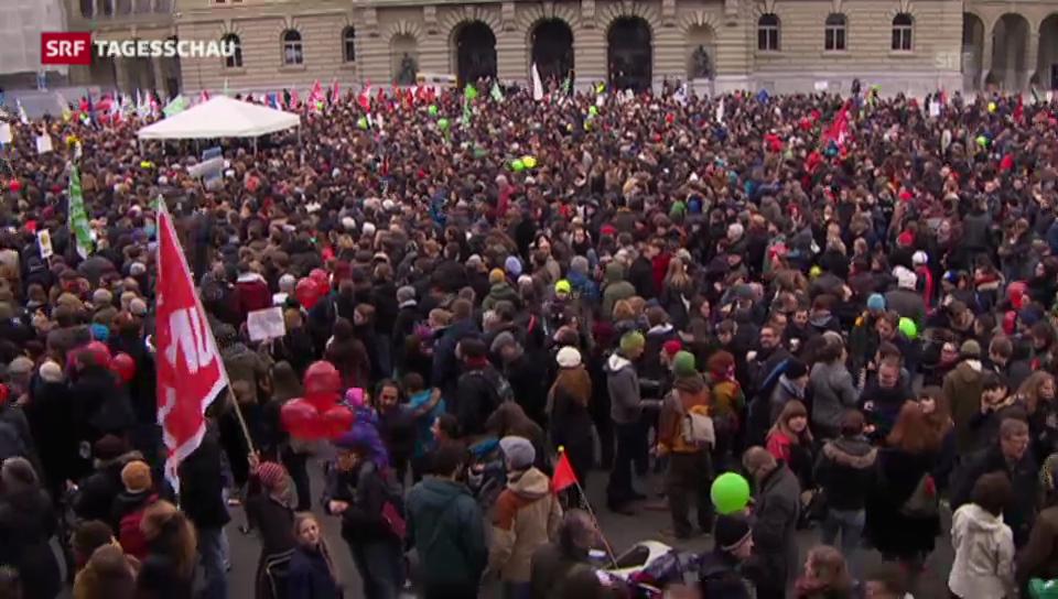 Gegen 10'000 Menschen demonstrierten für eine offene Schweiz