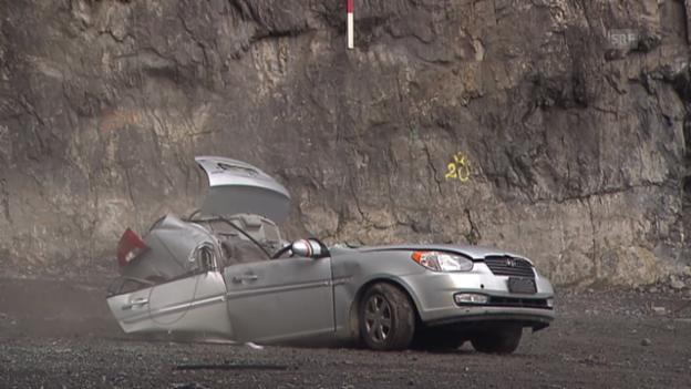Video «Geobruggs Sicherheitsnetz im Steinschlag-Test» abspielen