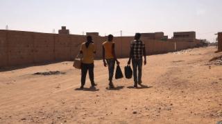 Video «Schlepper ausser Kontrolle: Der Kampf gegen Banden in Afrika» abspielen