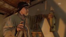 Video «Manon mit ihrem Mann im stillgelegten Verenahof an einer Foto-Installation» abspielen
