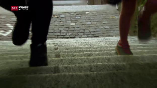 Video «Jung, ohne Job und von Sozialhilfe abhängig» abspielen