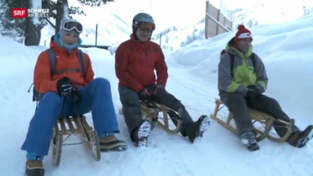 Video «Mürren - Wengen: Schlittelpartie bei den Schneewanderern» abspielen