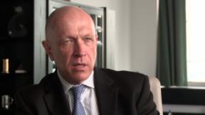 Video «Pavel Kysilka: Der Mann, der Staaten zu neuen Währungen verhilft» abspielen