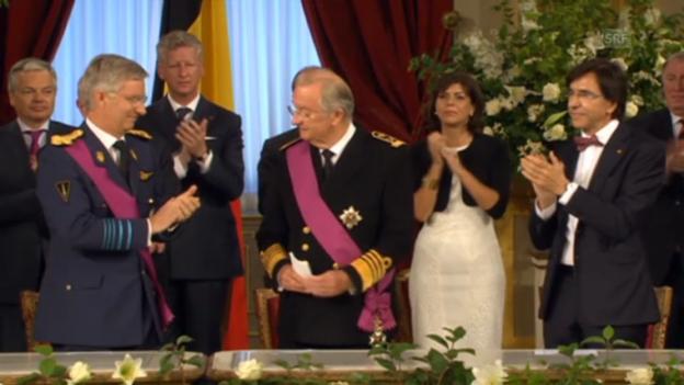 Video «Emotionale Abdankungsfeier von Albert II.» abspielen