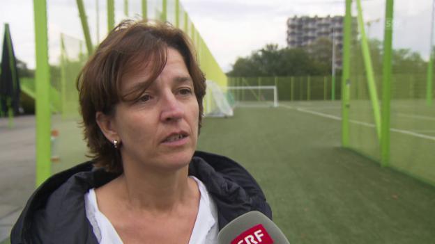Video «Hänni: «Der Frauenfussball braucht die Struktur des Männerfussballs»» abspielen