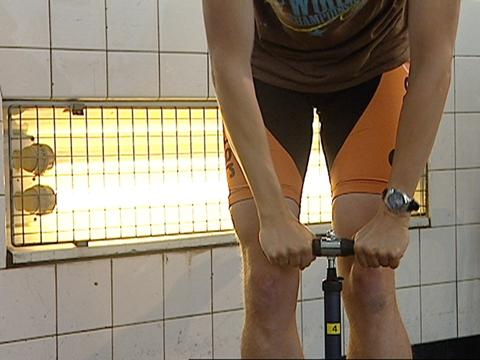 Video «Velopumpen im Test: Harte Reifen für harte Touren» abspielen