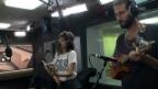 Video «Lola Marsh singen «Hemmige» von Mani Matter, live im Studio» abspielen