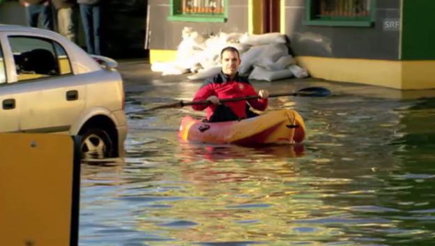 Video «Sturm und Hochwasser in England und Irland (unkomm.)» abspielen