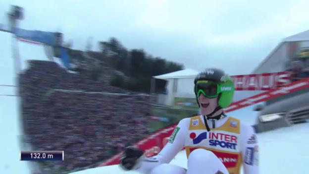 Video «Skispringen: Vierschanzentournee, 3. Springen in Innsbruck, Peter Prevc Flug auf 132 m» abspielen