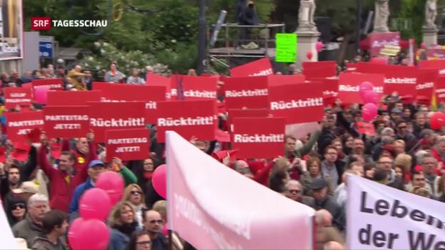 Video «Genossen pfeifen SPÖ-Regierungschef aus» abspielen