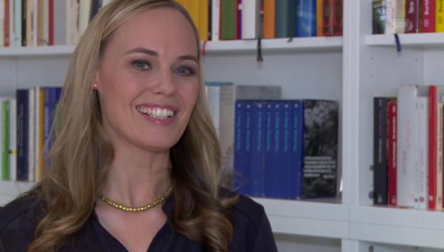 Video ««Literaturclub»-Moderatorin Nicola Steiner» abspielen
