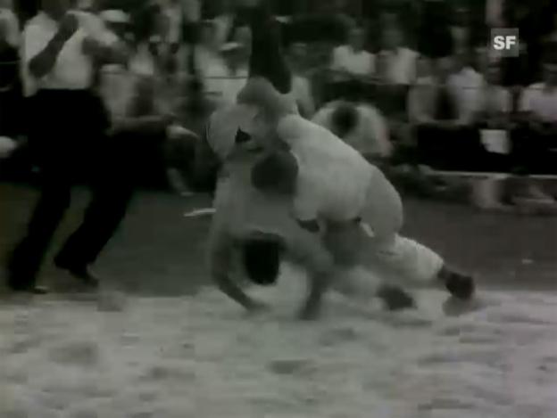 Video «Karl Meli im Schlussgang des «Eidgenössischen» 1964 gegen Alois Boog.» abspielen