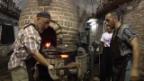 Video «Buchara: Besuch beim Schmied» abspielen